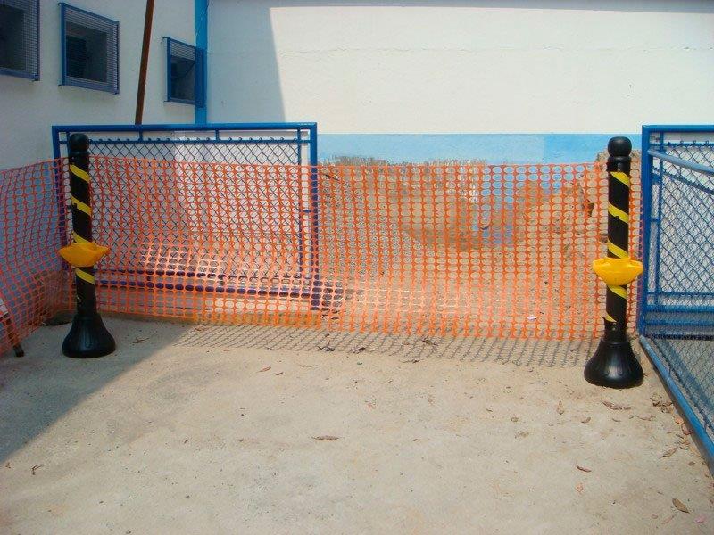 Pedestal zebrado para isolamento
