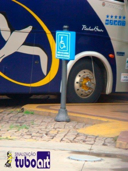 Sinalização de estacionamento para deficiente